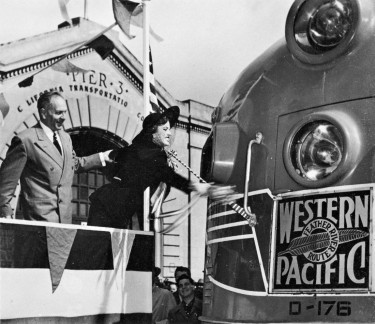 Eleanor Parker christens The California Zephyr 1949
