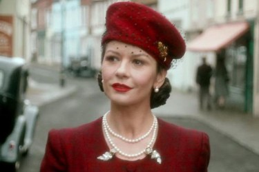 Catherine-Zeta-Jones-as-Rose-Winters