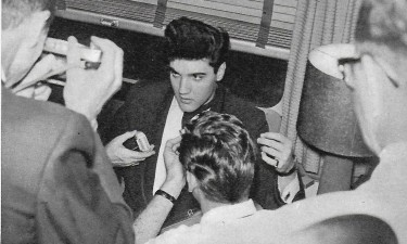 Elvis and Photographers