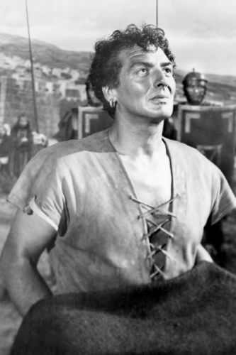 Victor Mature in The Robe 2