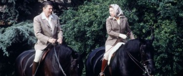 The Queen with Ronald Reagan at Windsor Castle in 1982 2