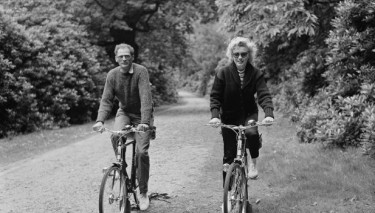 Marilyn with Arthur Miller Cycling